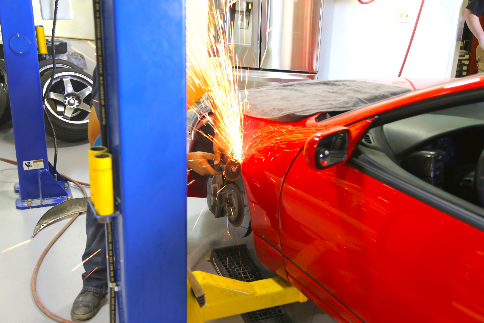 Cutting the front fenders.